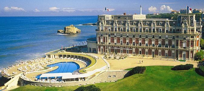L'hôtel du Palais, palace construit par Napoléon III pour l'impératrice Eugénie à Biarritz, Aquitaine (France)