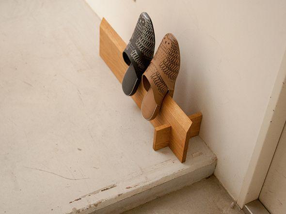 無垢一枚板でつくる木製スリッパラック