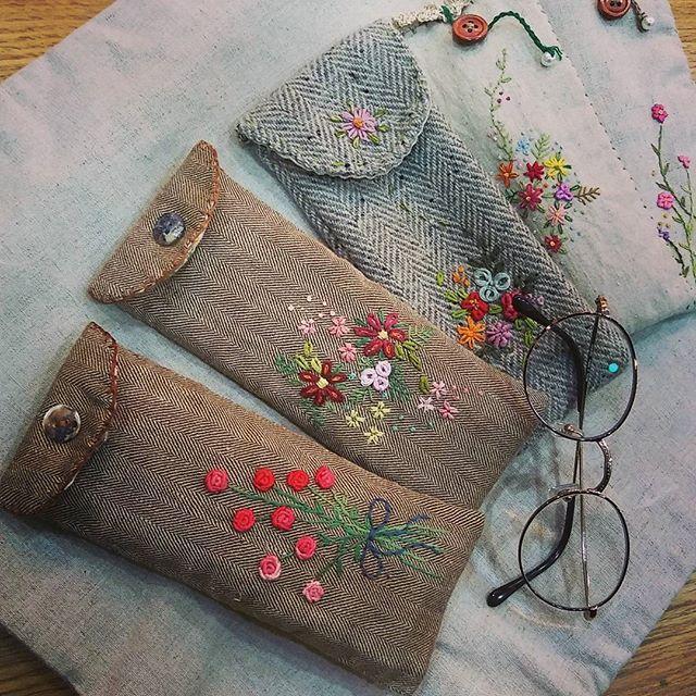 #Embroidery#stitch#needle work#hand made#glasses case #프랑스자수#일산프랑스자수#자수#자수타그램#자수소품#안경케이스 #린넨과 울 해링본으로 만든 안경케이스~~