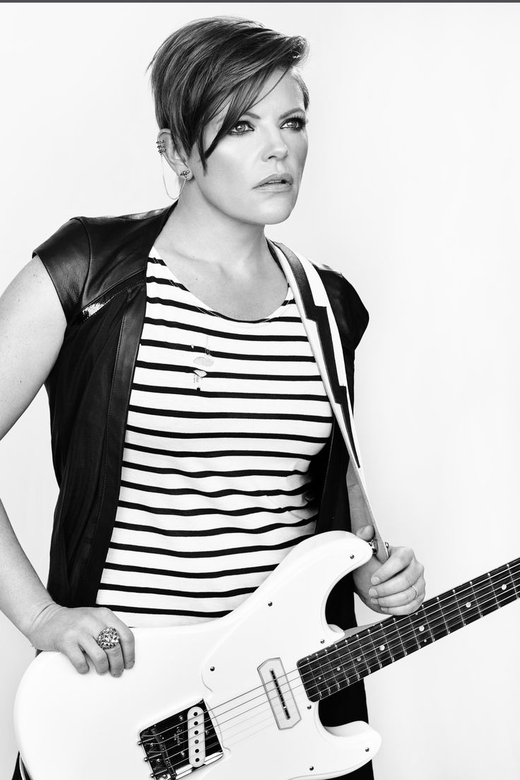 Natalie Maines (Dixie Chicks) with her artic white Asher Mozo: One of the best voices!