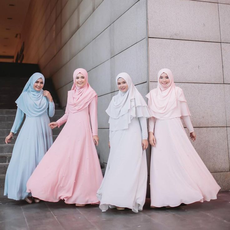 Its the weekend! Finally Khadeeja Dress #helizahelmixfatinsuhana  dah pon release di boutique dan Website! All colours and size available. Jomm ajak kekakak, mak, sedare2, jiran borong Khadeeja Dress ni. ❤️ . #bfsraya2017  www.byfatinsuhana.com.my Whatsapp: 0192481089