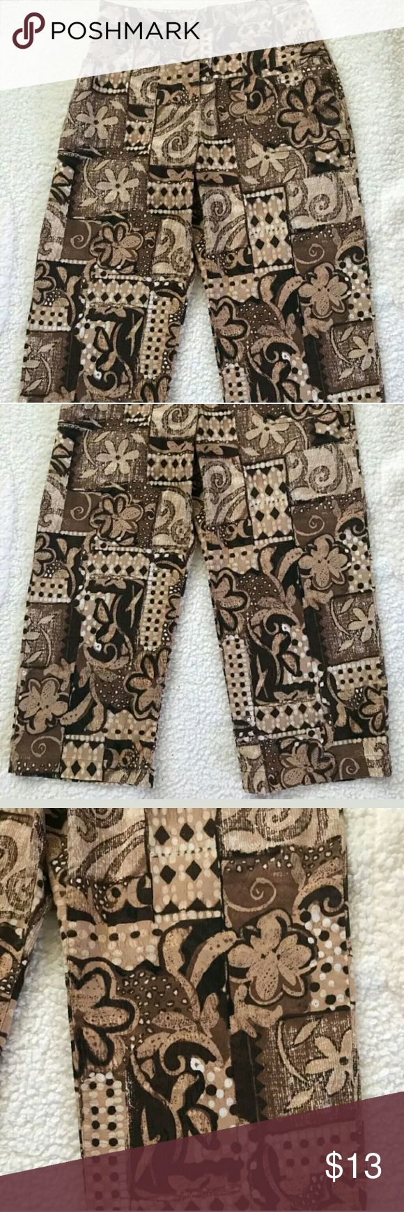 Chico's Capri Pants Chico's Women's Capris Cropped Pants Brown Size 0 Printed Flowers Stretch Pocket   ChicoWomen'sBrownFlower PrintPocketsSize 0Capri/Crop  These Chico capri pants are in very good used condition.  The pants are free of holes and stains.    Thank you! Chico's Pants Capris