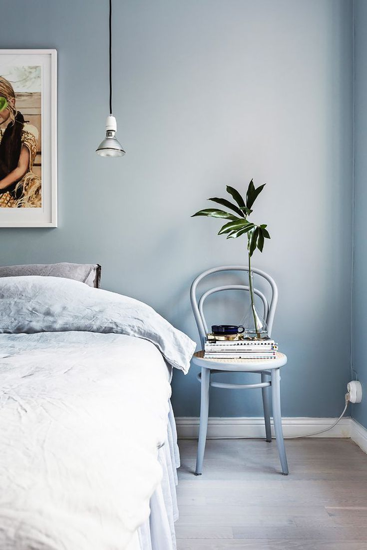 Here S Exactly How A Feng Shui Expert Would Arrange A Small Bedroom Best Bedroom Colors Stylish Bedroom Design Blue Bedroom Walls
