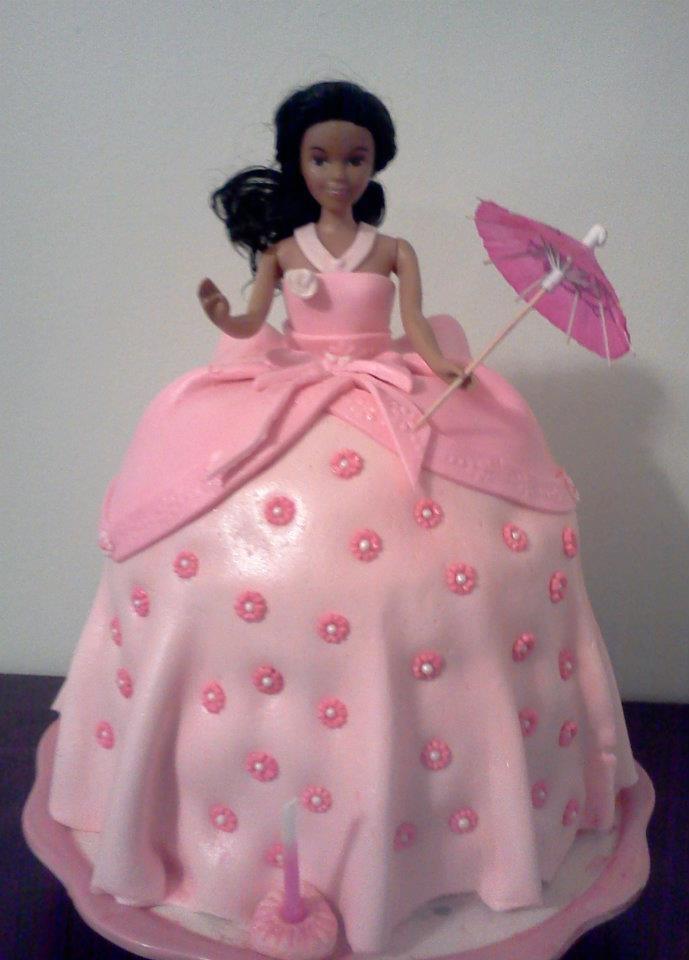 how to make a barbie cake with fondant