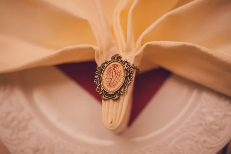 Romantic Victorian Wedding Napkin rings Photo Credits: Vlad Gherman Photography