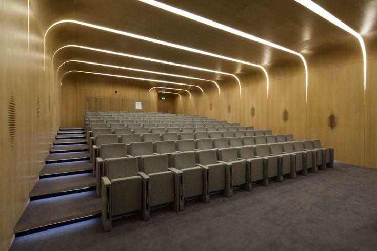 Gallery - The Investcorp Building / Zaha Hadid Architects - 15