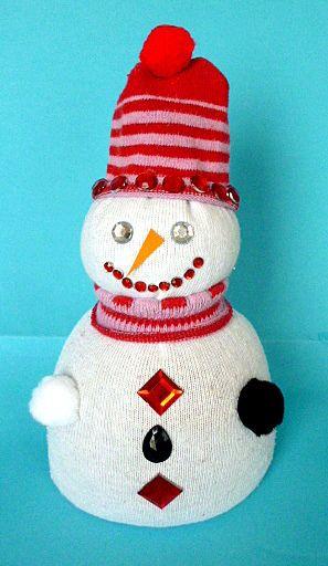 Weihnachten/basteln-Schneemann-Socken-Koerner-Perlen-Pompons-2