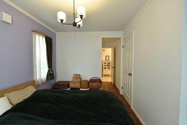 施工例54.ビルドインガレージのあるアメリカンホーム 主寝室