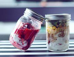Zdrowe posiłki na wynos to dla wielu największy problem.Jak wymyślić coś, co będzie jednocześnie fit i mało problematyczne do zjedzenia w pracy czy szkole? Na co zamienić nudzące się już kanapki czy twarożki? Jeśli szukacie nowych pomysłów ...