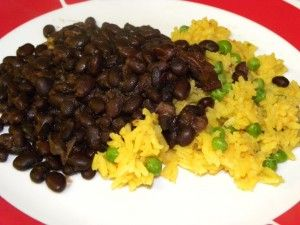 CUBAN BLACK BEANS AND YELLOW RICE - CROCK POT (I'd omit the peas. Yuck. )