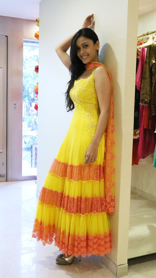 Hrishitaa Bhatt in Neeta Lulla's Collection