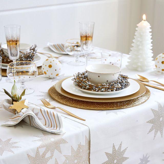 Mesa de Natal dourada e prateada