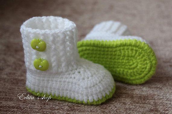 Вязание крючком Детские пинетки, детская обувь, ботинки, белый, зеленое яблоко, кнопки, готово к отправке, фото prop, Размер 0-3 мес, подарок