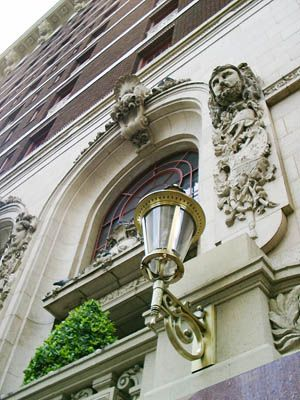 Known as the Grande Dame of downtown Dallas hotels, Adolphus Hotel is a 4-Diamond luxury hotel which mirrors the feel of the Lone-Star legend. It is a baroque masterpiece which was opened in 1912 by Adolphus Busch.