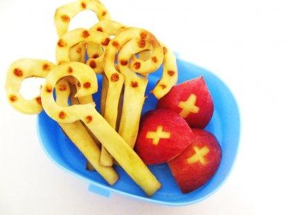 Genoeg van al die zoetigheid? Deze sinterklaas-snacks van appel zijn een goed alternatief!