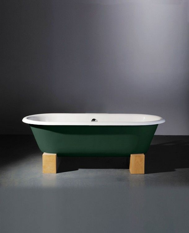 Astonian Rimini 1700x785mm no-taphole cast iron roll top bath on sleepers