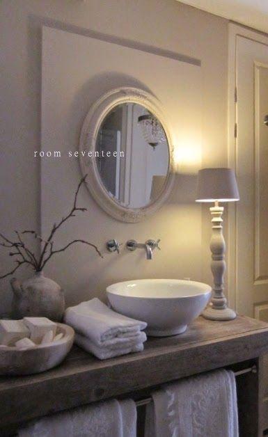 20 beste idee n over landelijke badkamer decoraties op pinterest kleine rustieke badkamers - Decoratie schilderij wc ...