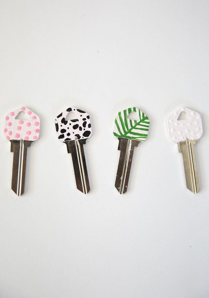 DIY CHIC PAINTED KEY TOPS | Best Friends For Frosting