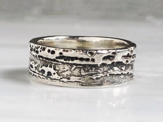 Wedding Rings Modern Wedding Rings Weddingrings Modern Mens Alternative Wedding Ba In 2020 Men S Wedding Ring Sterling Silver Wedding Band Alternative Wedding Bands