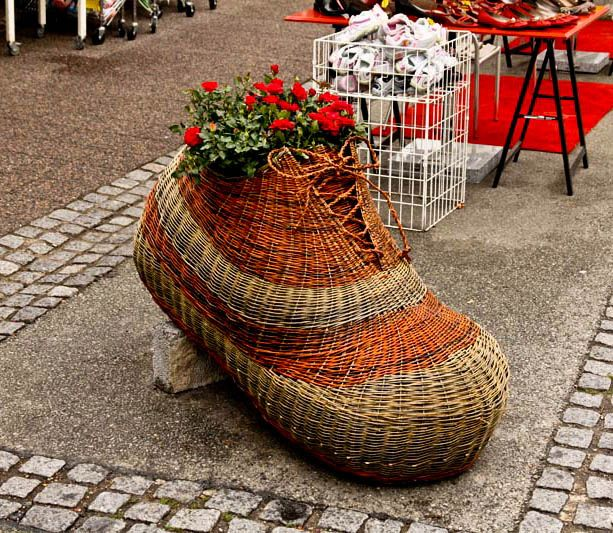 Finished shoe at the annual Rose Festival in Bogense, Denmark. | made by Jane Nielsen, weaved out of willow