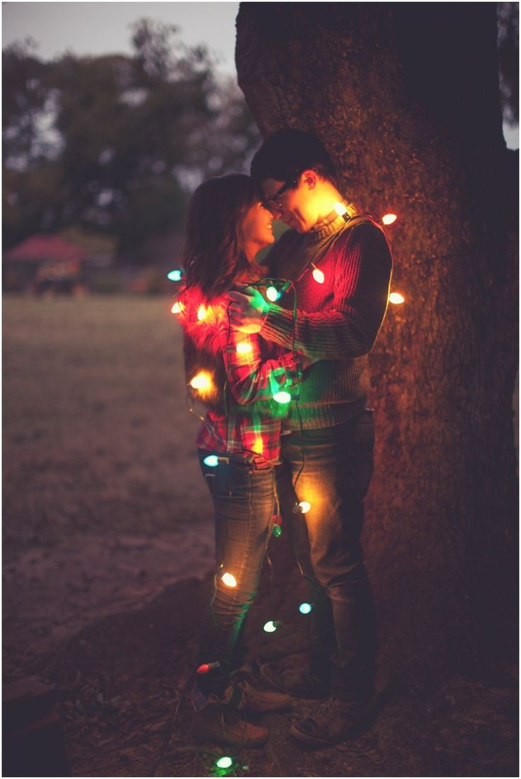 51 Romantic Couples Christmas Photo Ideas : Love Christmas Couple Photography Poses