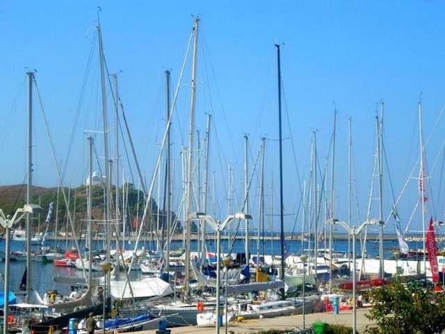 «Σαφάρι» ελέγχων και για την πάταξη παράνομων ναυλώσεων σκαφών: «Σαφάρι» ελέγχων σχεδιάζει το υπουργείο Ναυτιλίας και Νησιωτικής Πολιτικής,…