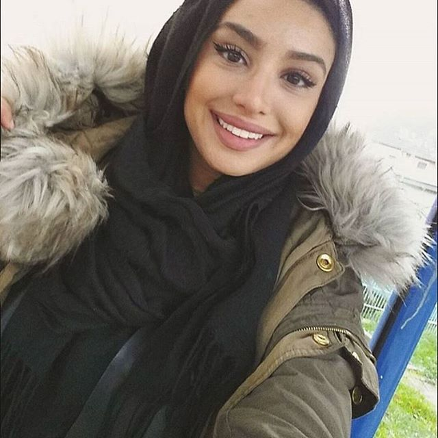 Monday morning smiles with @maghrebia_000 Keeping warm in ...
