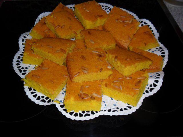 Das perfekte Sfouf- Libanesischer Grießkuchen-Rezept mit einfacher Schritt-für-Schritt-Anleitung: Geben sie alle Zutaten AUßER Safran, bzw. Kurkuma in…