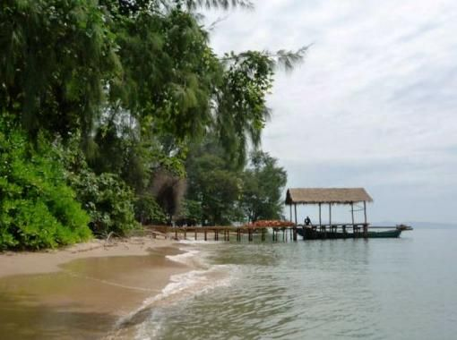Koh Thmei beach, Ream National Park is a place where you'll find all the shells you want.