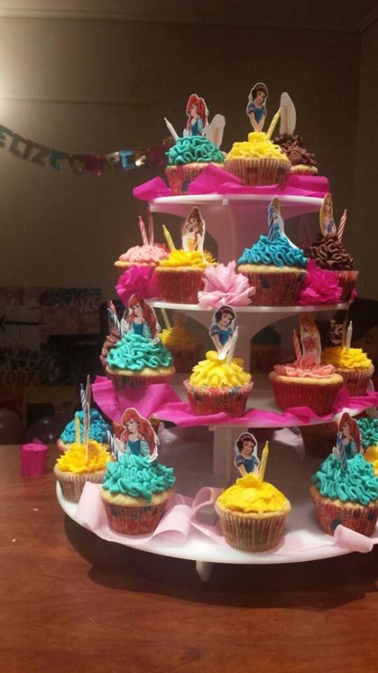 Cupcakes para cumpleaños tematica princesa disney #jotacakes #cupcake #cupcakes #reposteria #candy #buttercream #princess #disney #disneyprincess #tasty #delicius #sugar #cakeshop