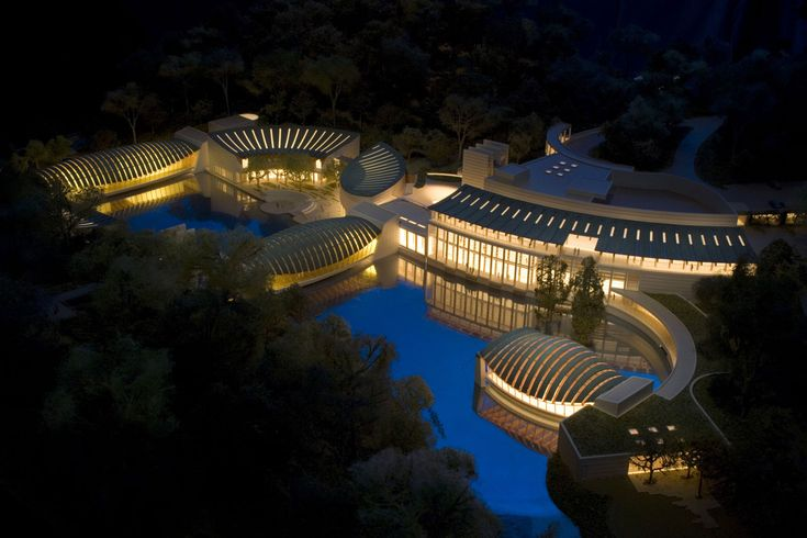 Crystal Bridges Museum of American Art is one of the most fabulous museums in our nation.  We feel lucky to live nearby.
