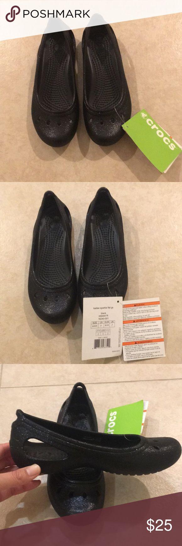 NWT crocs girls Kadee sparkle flats black NWT crocs girls Kadee sparkle flats in black size 1 CROCS Shoes Sandals & Flip Flops
