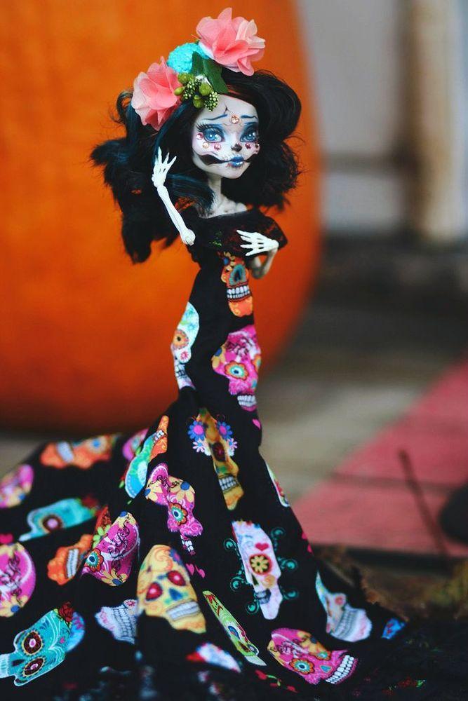 Cool something a bit different. Skelita Monster High OOAK Repaint HALLOWEEN EXCLUSIVE