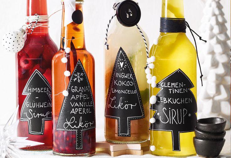 Für den Clementinen-Lebkuchen-Sirup die Clementinenauspressen und 300 ml Saft mit dem Zucker in einenTopf geben. Zitronen heiß waschen, trocken reiben, dieSchalen dünn abschälen und den ...