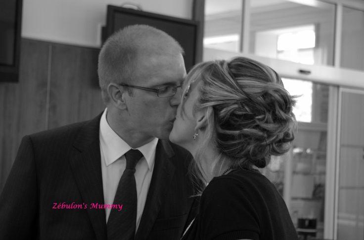 Pour la septième semaine du projet 52 - 2015 , organisé par Milie du blog & C'est Quoi Ce Bruit ? & , le thème est & Mon Amour & !!! En ce jour de Saint-Valentin , voici mon Amour ...le jour de notre mariage !!!! Il y a pile aujourd'hui un an et 5 mois...