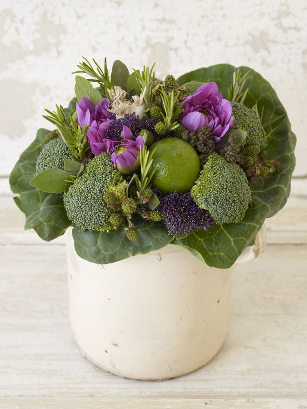 Any fruit or vegetable with a very short stalk can be wired for use in this hand-tied bouquet, and those with no stalk at all can be supported on a garden stake. Keep this bouquet small; its ingredients are heavier than the usual flowers and foliage. It should last for three to four days in water with regular misting.