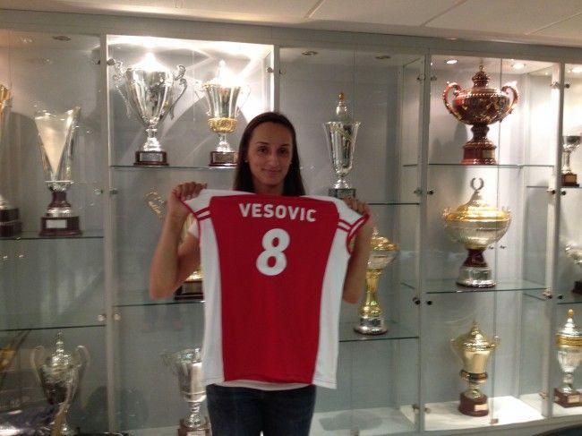 Jovana Vesovic. Ακραία. (1987). 2014-2015.