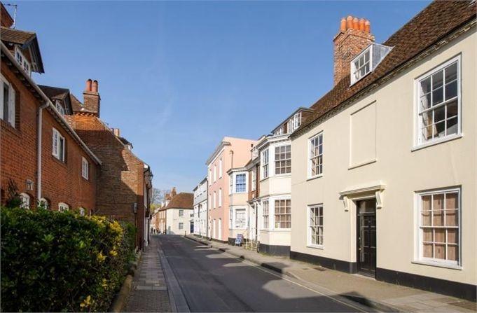 Little London, Chichester, PO19