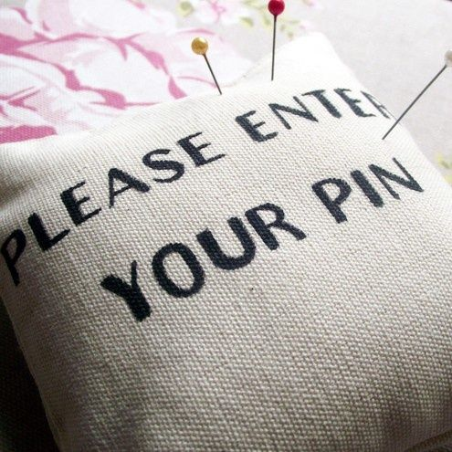 These little pin cushions would make awesome little stocking stuffers for my crafty friends...