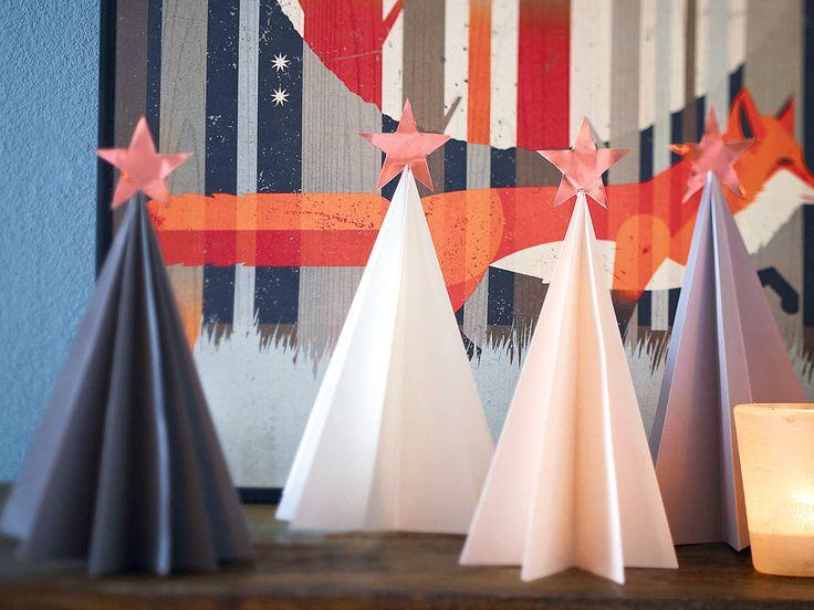 Am Weihnachtsbaume die Sternlein funkeln ...