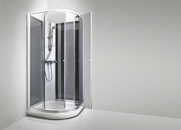 KARIBIA SKPSS -suihkukaappi on suurien lasipintojensa ja leveän kulkuaukkonsa ansiosta kylpyhuoneesi luonnollinen keskipiste.