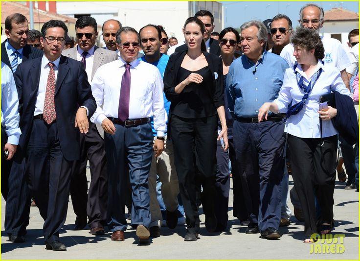 Angelina Jolie Meets Syrian Refugee Children in Turkey | angelina jolie meets syrian refugee children in turkey 01 - Photo