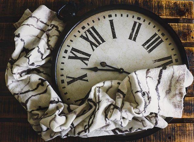 The time will pass anyway. Create a new reality today Handmade by @dana_valeins #fashion #style #valeins #handmade #scarf #nunofelt #felt #merino #merinowool #newzealandwool #newzealandfashion #aucklandfashion #wool #silk #handspunyarn #white #brown #clock #pallet #insta_fashion  #شال #حرير #صوف #صناعة_يدوية #فالينز  #اناقة #ستايل #سكارف_حرير #ازياء