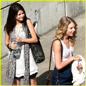 selena gomez and taylor swift | Taylor Swift || Deine #1 Fansite in Deutschland!: Mai 2009