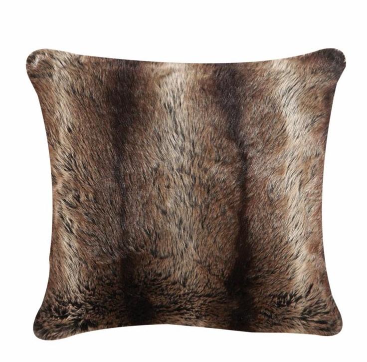 Brown faux fur cushions for chalet lounge Lot de 4 coussins Lauren ...