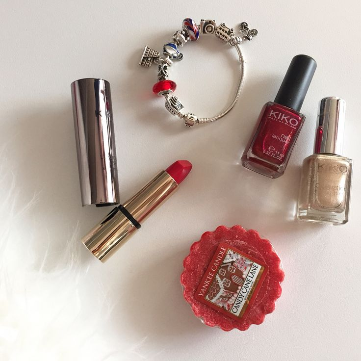 Red and gold obsession