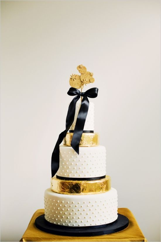 meaning behind feeding wedding cake 17 best images about black gold white cakes on 17236