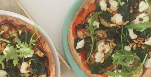 Tortizza+met+aubergine,+spinazie+en+geitenkaas+  +gezonde+pizza