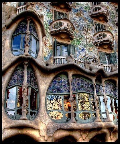Apartment building in Barcelona, designed by Gaudi.  Go ask Alice!Art Nouveau, Barcelonaspain, Buildings, Barcelona Barcelona, Architecture, Places, Barcelona Spain, Antonio Gaudi, Antoni Gaudí