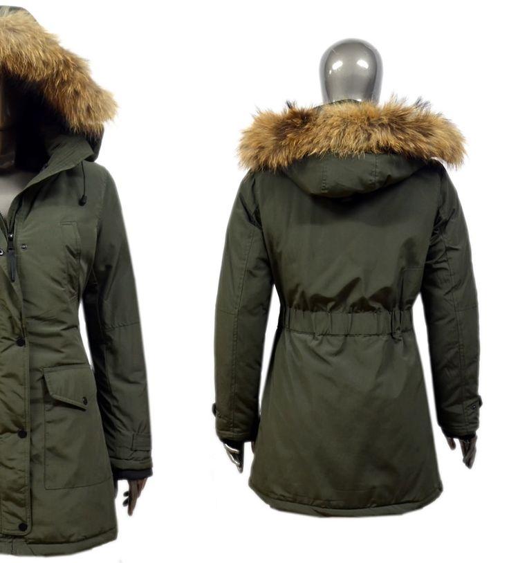 Fashion Planet heeft een ruime collectie winterjassen en bontjassen voor zowel damesals heren. Onze Heren jassen kunt u online bestellen maar u kunt deze jassen met bontkraag ook komen passen in onze winkel in Amsterdam.-Dames Groene Parka Winterjas DJ036 | Modedam.nl- Kleur: Donker Groe